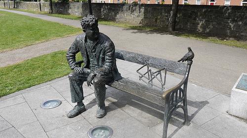 Brendan Behan statue on Royal Canal